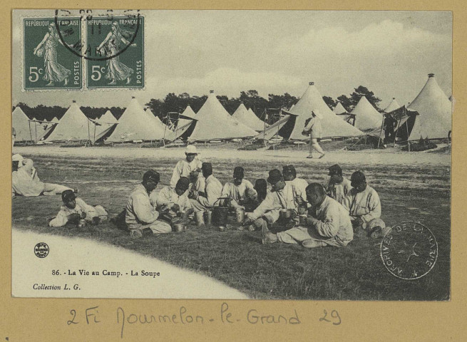 MOURMELON-LE-GRAND. 86-La Vie au Camp. La Soupe. (54 - Nancyimprimeries Réunies).[vers 1911] Collection L. G