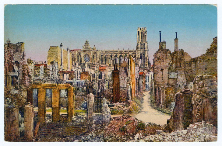 REIMS. La cathédrale de Reims dans les ruines en 1918. Rheims cathedrale in the ruins 1918. ReimsÉdition Reims Cathédrale.1918