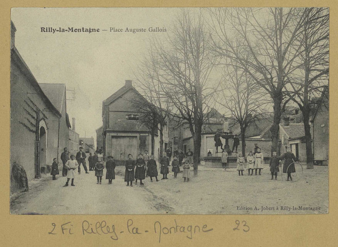 RILLY-LA-MONTAGNE. Place Auguste Gallois. Rilly-la-MontagneÉdition A. Jobert.[vers 1905]